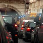 Primi in Europa per le ore passate in auto